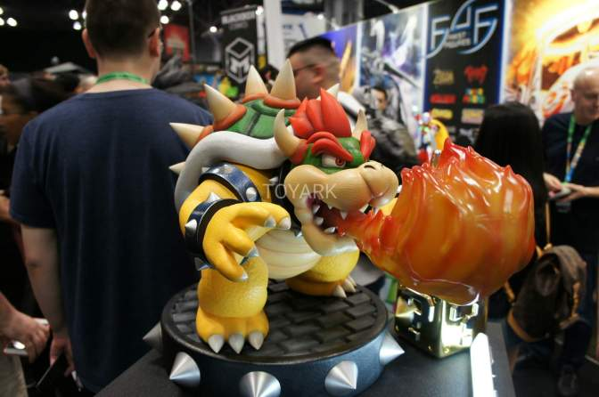 Mario Statues Spotted at New York Comic Con