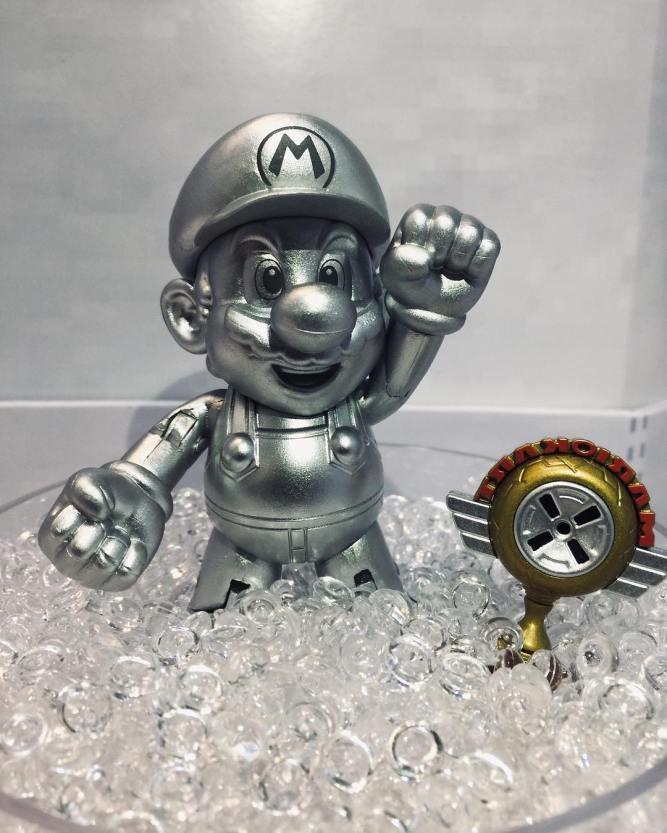 """Metal Mario and Mario Kart Trophy World of Nintendo 4"""" Inch Figure Jakks Pacific"""